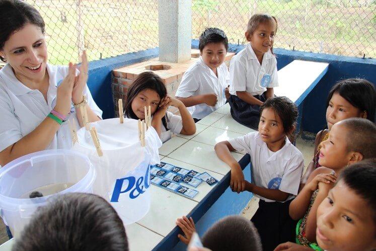 ACTIVIDAD RSE DE P&G: PROGRAMA «AGUA LIMPIA PARA LOS NIÑOS»